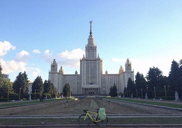 中国国务院副总理孙春兰访问莫斯科国立大学