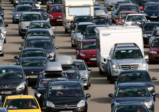 美国科学家提议从被堵车辆收集能量