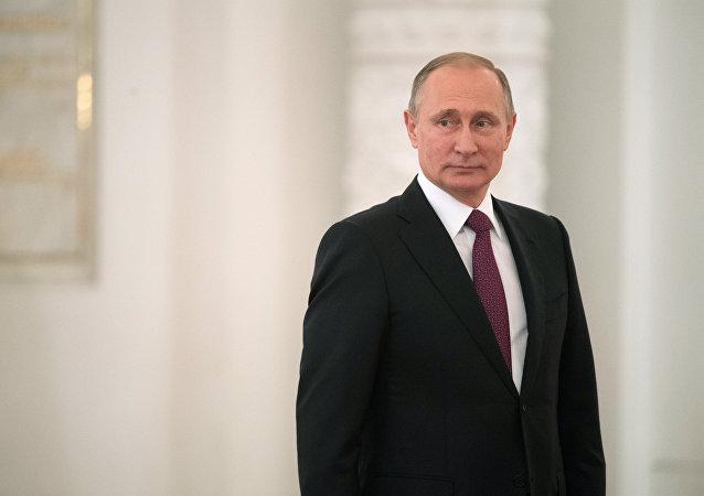 普京:俄罗斯应继续降低预算对油价的依赖