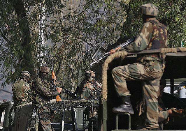 印军一天内在克什米尔控制线附近消灭6名恐怖分子