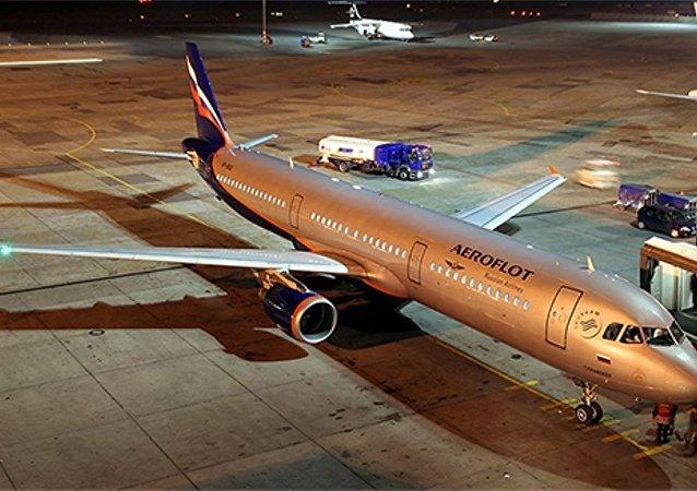 消息人士:一架北京至莫斯科客机因旅客醉酒闹事在克拉斯诺亚尔斯克紧急降落