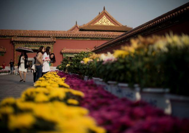 专家:中国目前处在跨越中等收入陷阱的关键时期