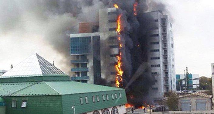 俄侦查委员会:一名朝鲜人从乌法起火的高楼跳下摔死