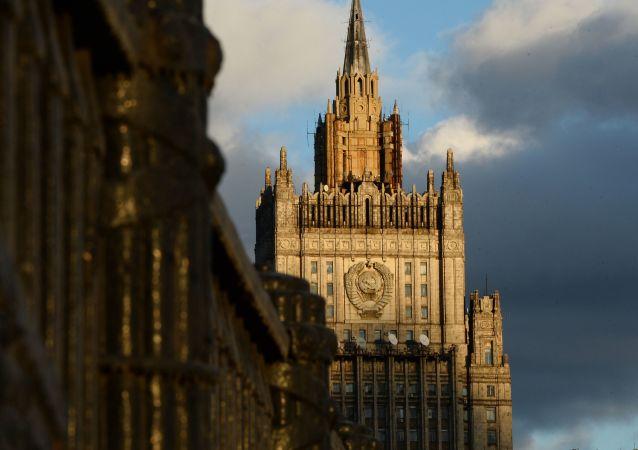 """俄外交部:美国拒绝执行叙问题协议将为恐怖分子亮起""""绿灯"""""""