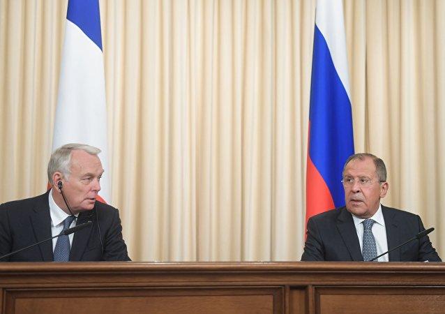 俄外长:俄方愿就法国向安理会提出的叙利亚决议草案开展工作
