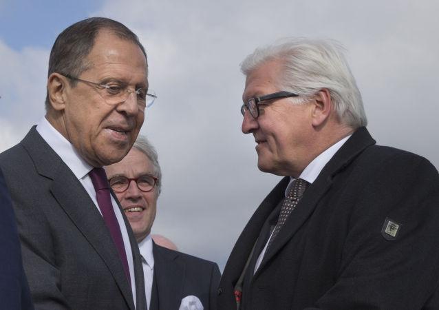 俄罗斯外长拉夫罗夫和德国外长施泰因迈尔
