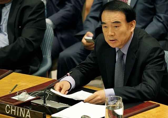 中国外交部副部长李保东