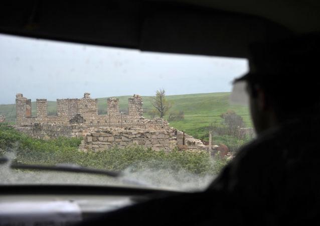 未获承认的纳卡共和国国防部称卡拉巴赫13日凌晨发生60次破坏停火的行为