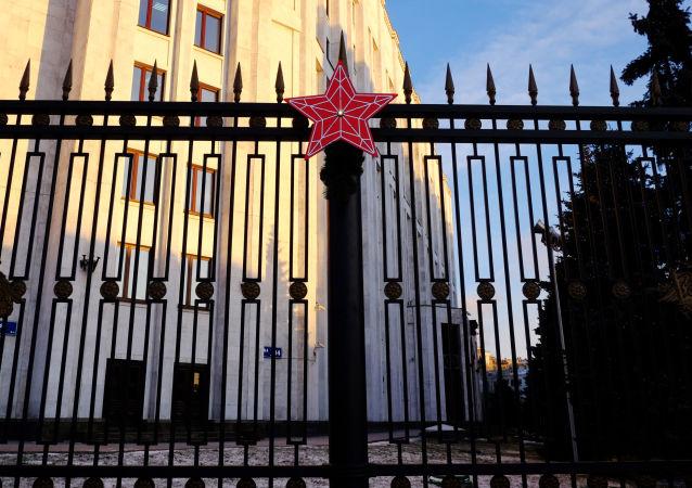 俄防长在莫斯科安全会议期间将与外国防长举行10场会谈