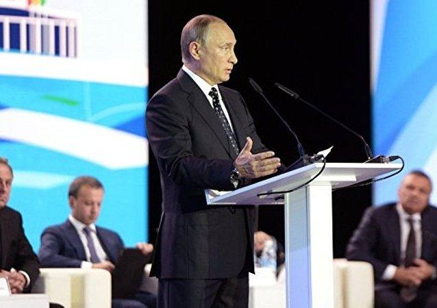 普京:需就俄在11个体育项目上长期滞后采取措施
