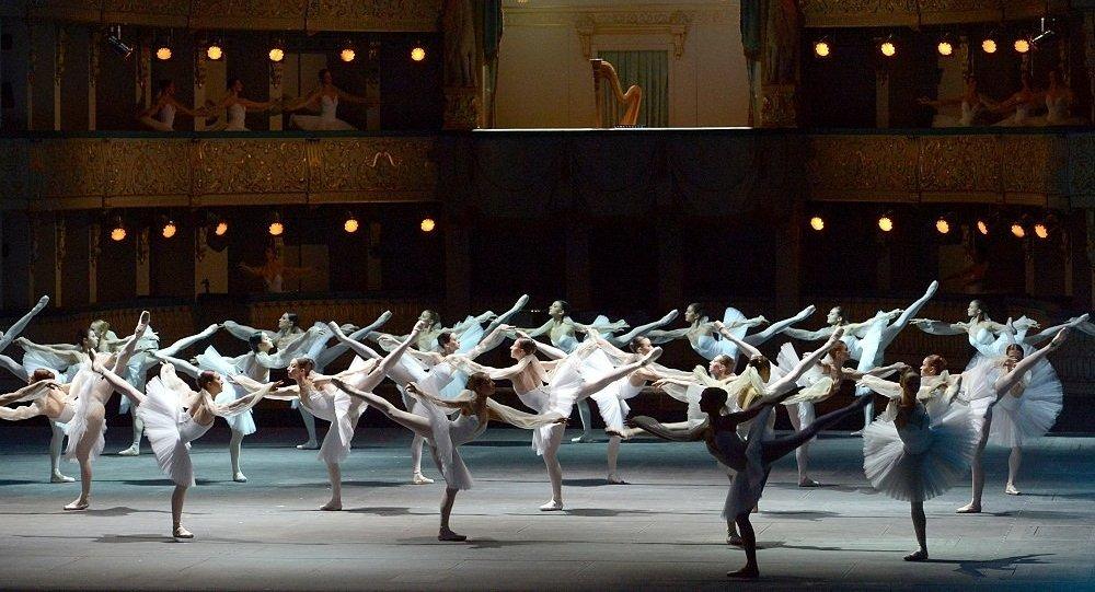 俄马林斯基剧院的芭蕾舞团将于7月参加远东国际音乐节