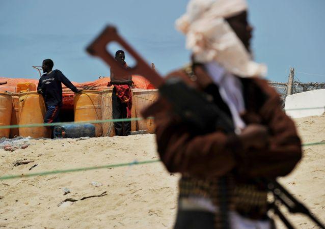 外媒:索马里首都恐怖袭击死者涨至29人