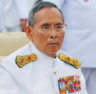 上一任泰國國王普密蓬·阿杜德