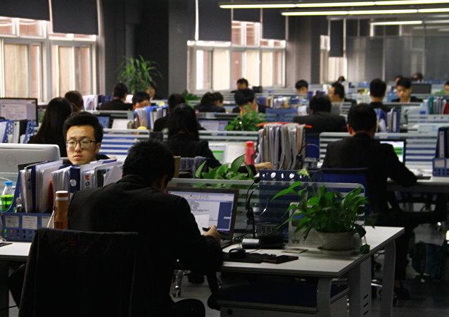 谁在工作, 谁在获利: 为什么中国人不想再加班了?