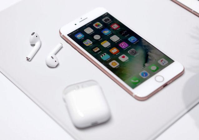 苹果手机在中国智能手机市场2017年畅销排行榜中居第2位