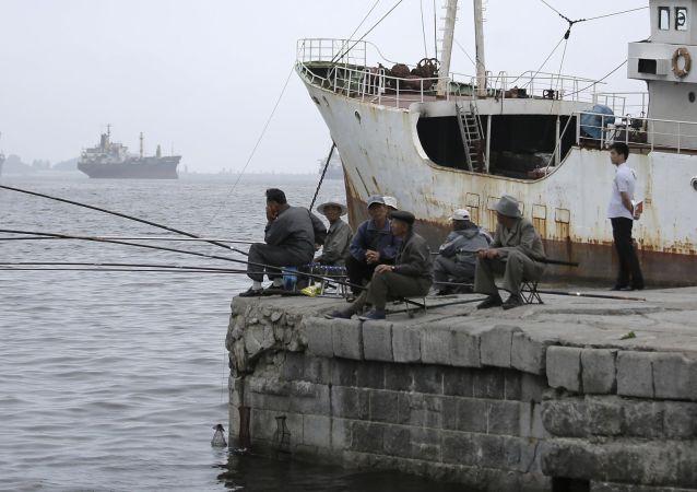 朝鲜,渔民/资料图片/