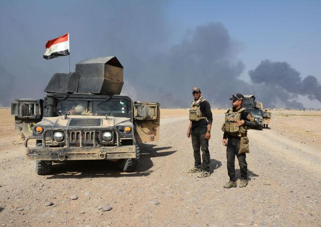 伊拉克空军在摩苏尔撒下即将解放行动的预警传单