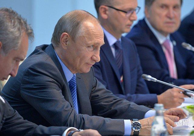 普京解释拜登对俄实施网络攻击威胁的独特之处