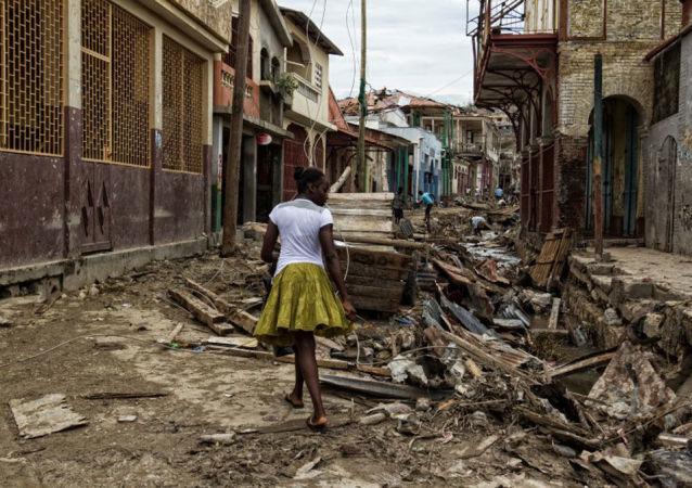 联合国维和部队在海地使用催泪瓦斯以防救援车队被抢