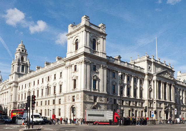 英国财政部拒绝对封禁RT电视台账户置评