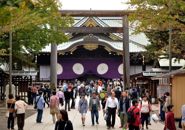 媒体:日本两大臣及首相助理参拜靖国神社