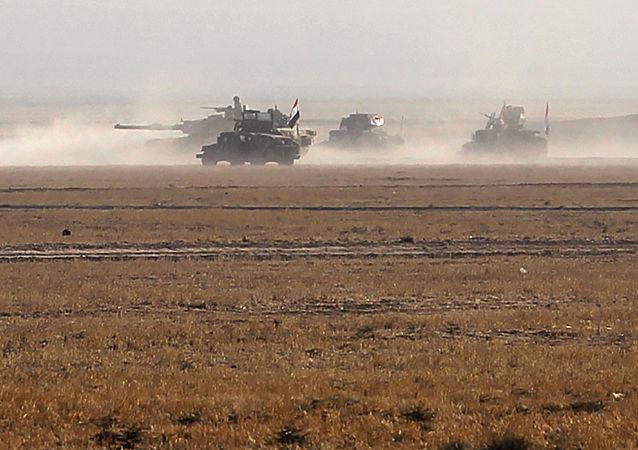 """叙利亚军队:向""""伊斯兰国""""开设撤离伊拉克的走廊是在帮助恐怖分子"""