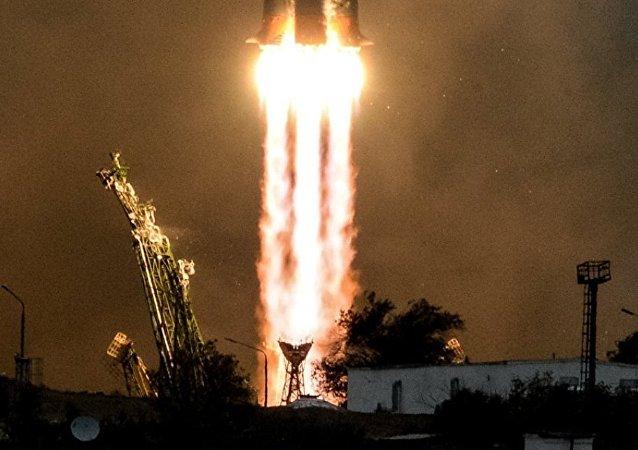 """俄航天集团公司:新型系列第二艘飞船""""联盟MS-02""""维修后载人升空"""