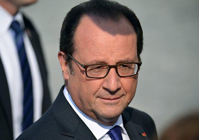 """奥朗德:约四千名法国官兵在叙利亚和伊拉克参加打击""""伊国""""行动"""