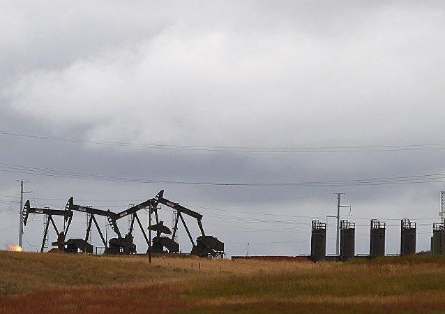 俄石油总裁称美国页岩油不会在亚太市场上与俄产原油竞争