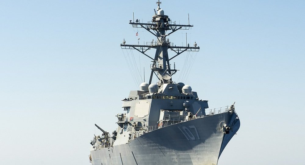 媒体:美国海军驱逐舰在南海争议岛屿附近巡逻