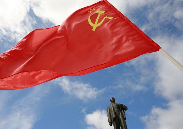 俄共在十月革命纪念日快要到来之际呼吁同歪曲历史进行斗争