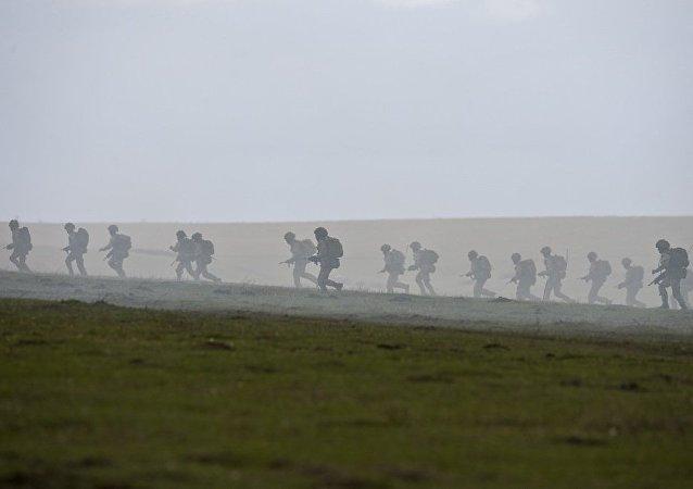 英国国防部:英国明年春季将向爱沙尼亚部署一个装甲营