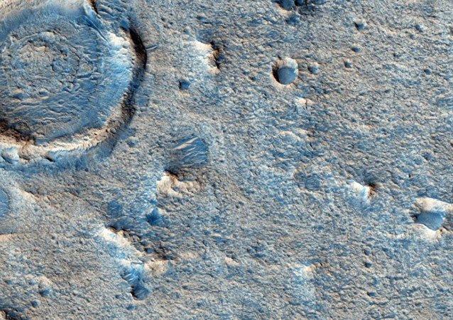 """新火星表面卫星图片显示登陆器""""夏帕雷利""""已完全损毁"""