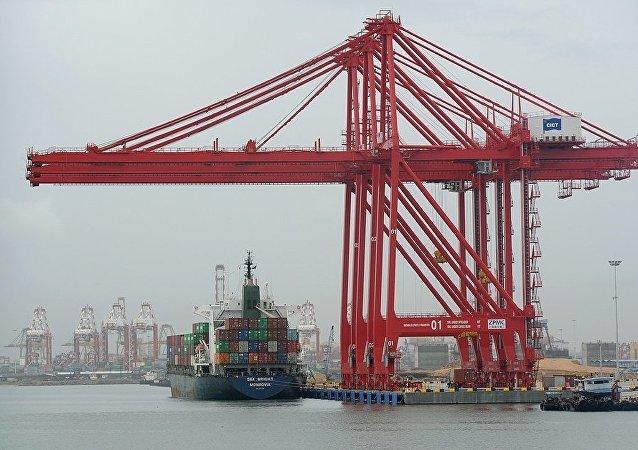 中国将在西非建最大港口