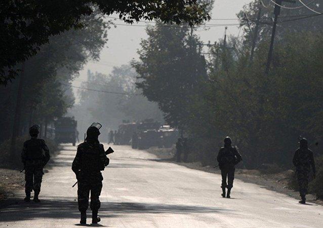 印媒:印军在克什米尔部队遭武装分子袭击 3名士兵死亡