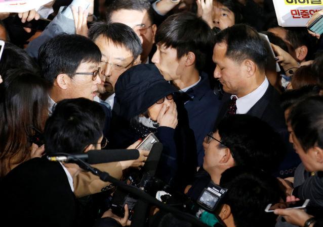 韩国检方申请逮捕总统亲信干政风波关键人物