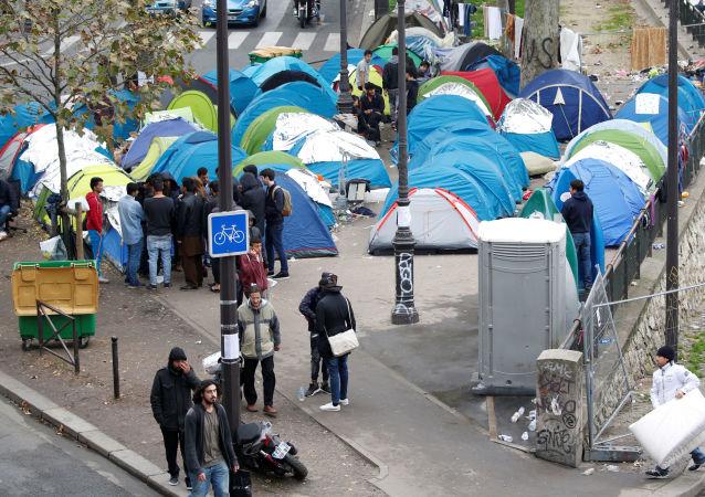 巴黎, 斯大林格勒地铁站, 难民
