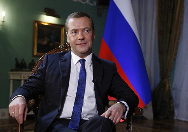 俄总理:制裁竞赛不是好事 俄不打算采取新的回复措施