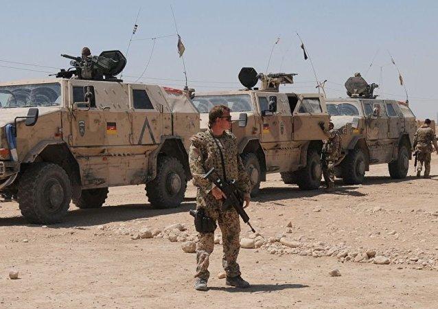 德国军人在马扎里沙里夫市郊外 (阿富汗)
