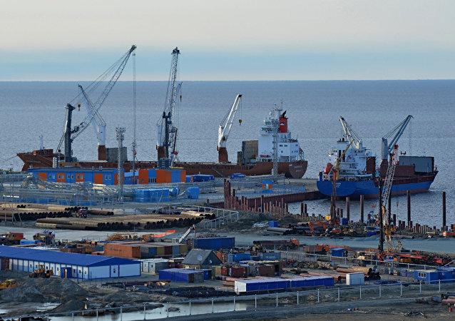 亚马尔天然气项目最后两个LNG核心工艺模块从青岛装船运往北极