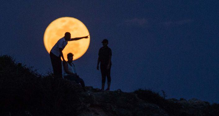 坦桑尼亞的超級月亮