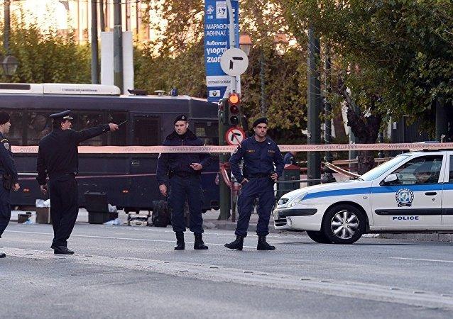 雅典一家警察局附近发现自制炸弹 现已被销毁