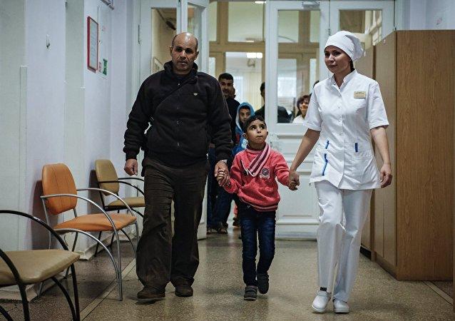 俄军用运输机运送6名叙利亚儿童前往圣彼得堡接受治疗