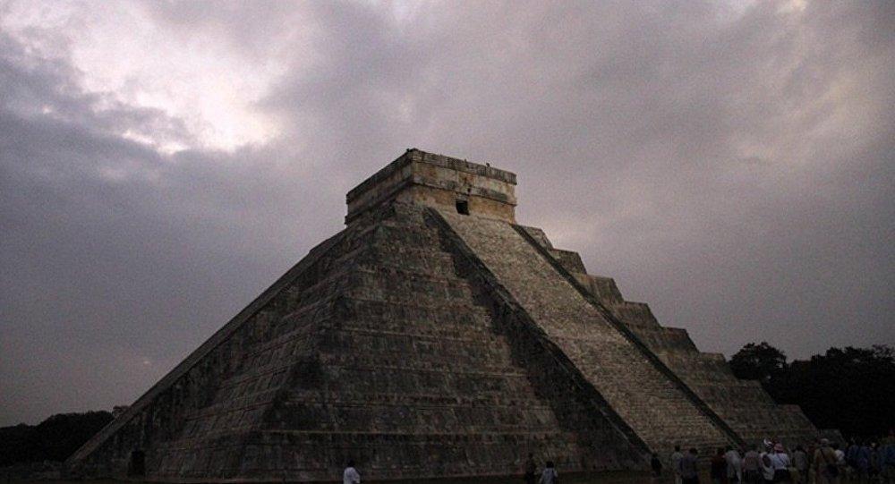 墨西哥专家发现玛雅金字塔中还有金字塔