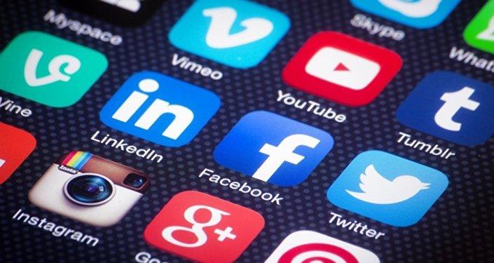 生活實例:如何借助社交網絡成名流