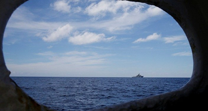 """中国国防部:中方掌握美国海军""""卡尔·文森""""号航母编队在南海的情况"""