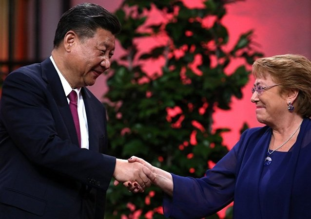 中国国家主席习近平和智利总统巴切莱特