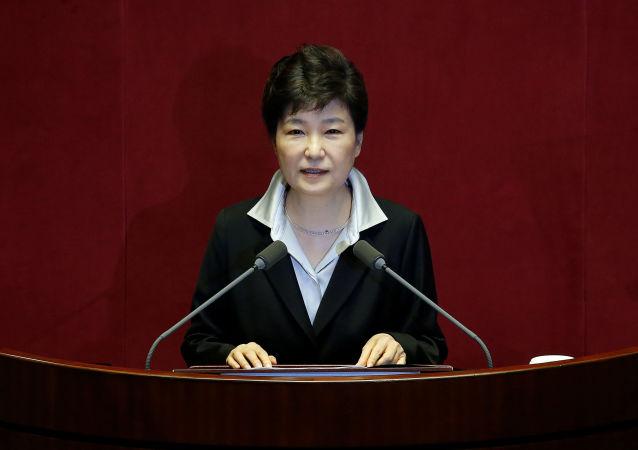 韩国总统称准备按照国会决定辞职