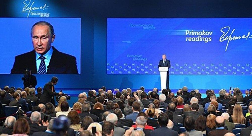 普京:除建立广泛反恐阵线外别无他途