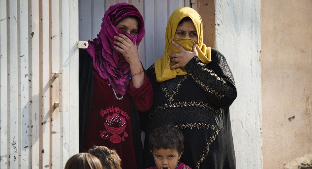 三千名居民在一昼夜内从摩苏尔达伊沙组织手中逃出